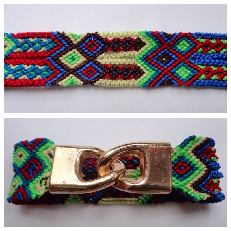 JEWELRY AND ACCESORIES / Small Mexican friendship bracelet with golden hooks clasp - Style SH0011