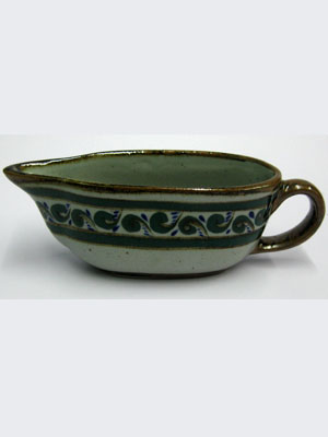 MEXICAN STONEWARE / 'Brown Rim Paisley' Gravy boat / Handpainted gravy boat complementing our 'Brown Rim Paisley' dinerware set.