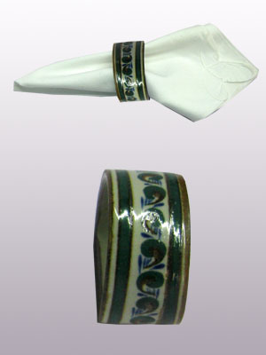 MEXICAN STONEWARE / 'Brown Rim Paisley' Napkin ring