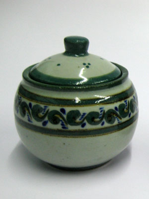 MEXICAN STONEWARE / 'Green Rim Paisley' Sugar bowl / This lovely sugar bowl comes adorned with a green and blue paisley pattern, bordered with a green rim.