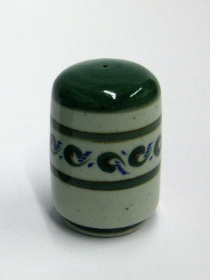 MEXICAN STONEWARE / 'Green Rim Paisley' Pepper shaker / This handcrafted pepper shaker will make a great accesory for your 'Green Rim Paisley' collection.