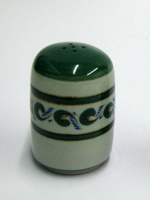 MEXICAN STONEWARE / 'Green Rim Paisley' Salt shaker / This beautifully decorated salt shaker will make a great accesory for your 'Green Rim Paisley' collection.