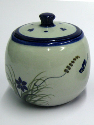MEXICAN STONEWARE / 'Blue Rim Butterfly' Sugar bowl / This lovely sugar bowl comes adorned with a butterfly, flowers and grass bordered with a cobalt blue rim.
