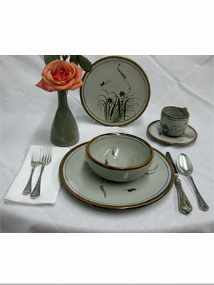 MEXICAN STONEWARE / 'Brown Rim Butterfly' 5 piece dinnerware set (1 person) / This ceramic dinnerware set has a handpainted decoration, it comes adorned with a butterfly, flowers and grass bordered with a brown rim. It includes one dinner plate, one salad plate, one soup bowl, a coffee cup and saucer.