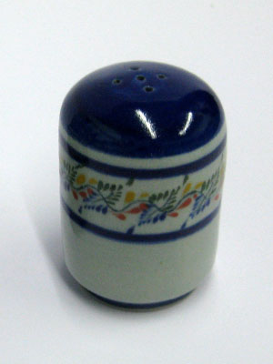 MEXICAN STONEWARE / 'Tropical' Salt shaker / This beautifully decorated salt shaker will make a great accesory for your 'Tropical' collection.