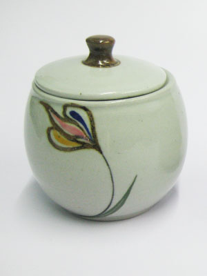MEXICAN STONEWARE / 'Tulip' Sugar bowl / This trendy sugar bowl comes adorned with a handpainted multicolor tulip.