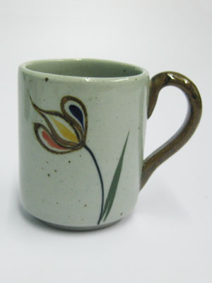MEXICAN STONEWARE / 'Tulip' Coffee mug / This ceramic mug is excellent for coffee lovers who like to enjoy a little more than the usual.