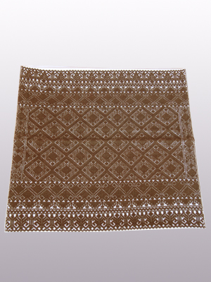 New Items / Handwoven pillow cover - Diamonds in Dark Brown / This beautiful pillow cover features the Grand Design from the ceremonial huipil of Sakamch'en. Diamonds represent the Universe and the path of the sun in it's daily movement: the east and west are represented by the small diamonds at the top and bottom. The large diamond in the center is the sun at noon. It was hand woven using a backstrap loom, a system created during the Classic Maya period.